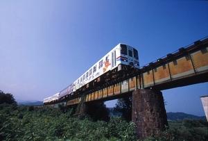若桜鉄道が日本初の公有民営方式...