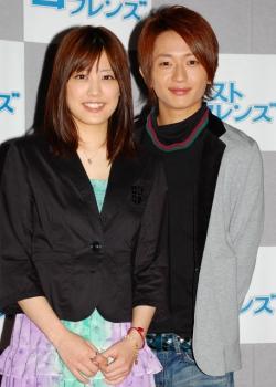 福田沙紀(左)と西島隆弘