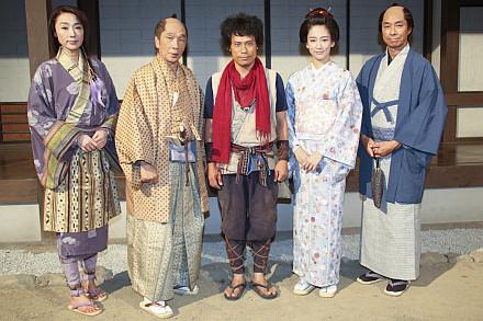 伊藤淳史、忍者アクションで「食べても食べても痩せて」時代劇『猿飛三世』