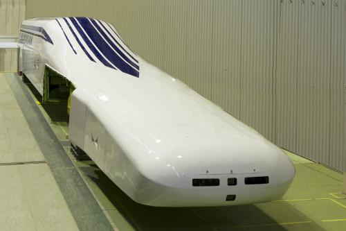 JR東海、中央新幹線のリニア新型車両「L0系」公開 - 来年度から走行試験へ