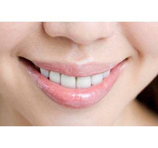 気になる歯ぐき下がり、わずか1ミリの差でマイナス印象は2.5倍に!