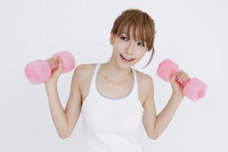 91%の女性が生理でスポーツなどを制限。生理中もアクティブに過ごすには?