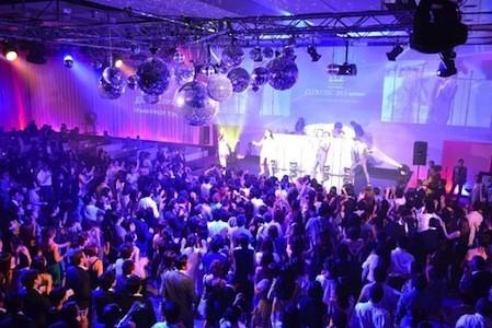 """東京都・六本木で、1,500人規模の""""大人""""のディスコイベントを開催"""