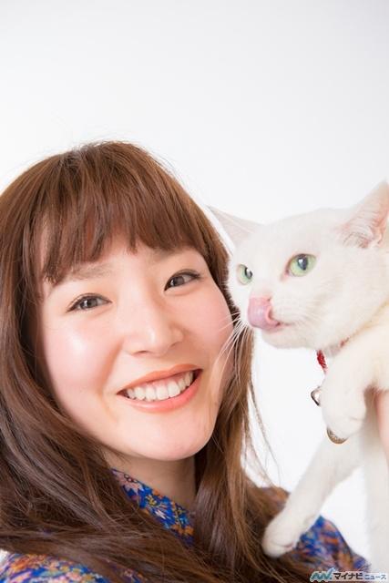 """蓮佛美沙子が追求する、演技の""""説得力""""とリアルな""""刺激""""「妄想するよりも、まずは目の前」 - 映画『猫侍』 (1) 犬派と猫派の2択には「グラグラです」"""