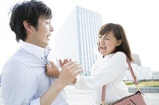 【レポート】恋人とのけんか中に言うと別れの危機を招きかねない「余計なひと言」