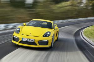 ポルシェ「ケイマン GT4」予約開始! 「911 GT3」を受け継ぐGTスポーツカー