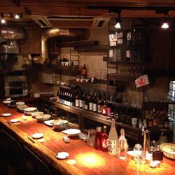 日本酒の味が器で変わる!? 横浜・馬車道に「天草市場 島旅」オープン