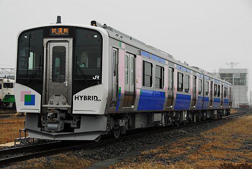 JR東日本HB-E210系、仙石東北ライン投入を前に仙台駅・石巻駅で展示会実施