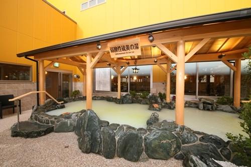 神奈川県横浜市には岩盤浴+プラネタリウムも備えた極上スーパー銭湯がある