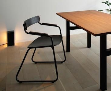 熟練の金属加モンクレール ハワイ 価格工職人と木工職人による、「生涯を添い遂げる家具」発売