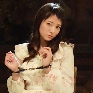 木村文乃、菜々緒に監禁された地下室でミニスカポリスやロリータ姿に