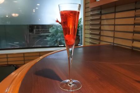 ホテルコンチネンタル府中(東京都府中市)のカフェ&バー「COLT」は1月31日、競走馬にちなんだ「名馬カクテル」の提供を開始する。