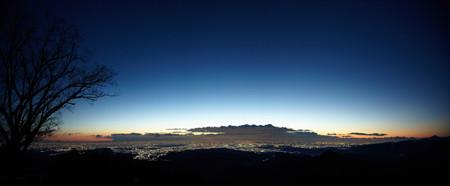 街の夜景も満天の星も日の出も一望! 東京都・奥多摩で夜の絶景散歩ツアー