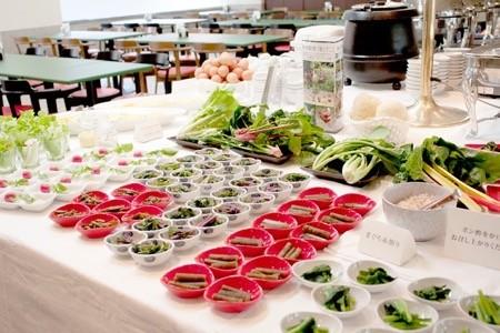 ホテルクオリティーの和食・洋食・中華が90分食べ放題! 飲み放題も