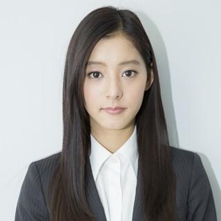 新木優子さんのポートレート
