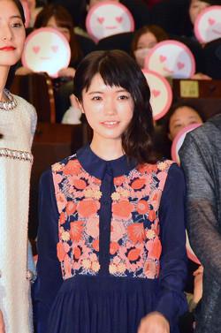 洋服が素敵な美山加恋さん