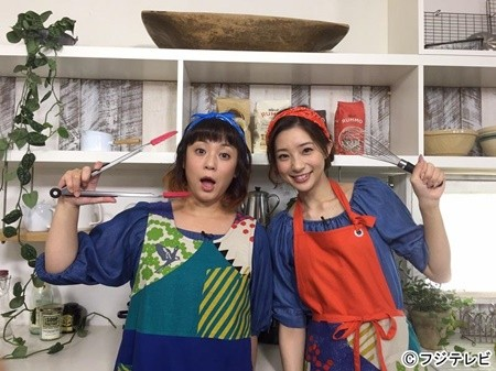 料理姿の佐藤仁美さん