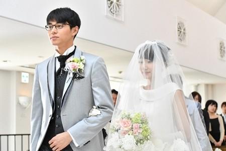 ドラマ『あなたのことはそれほどでも』でウェディングドレス姿を披露した波瑠さん