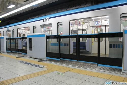 東京メトロ東西線九段下駅に大開口ホームドア、積込みから設置工事まで公開