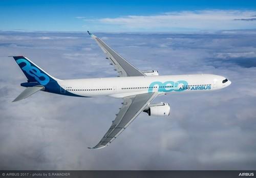 エアバスは現地時間の10月19日、エアバスA330-900が初飛行を成功裏に終了したことを発表した。初飛行を行ったのは、合計3機のA330neoテスト機の内、の初号機であるA330-900(MSN1795)で、A330-900テスト機は4時...