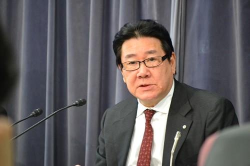 日本の大手2社間の「提携合戦」が喧(かまびす)しくなっている。3月31日にJALの新規投資を縛っていた「8.10ペーパー」の監視期限が終了し、潤沢な資金を持つJALがどのような投資・提携攻勢に出るのか注目されていたが、これまでの経緯を見ると...