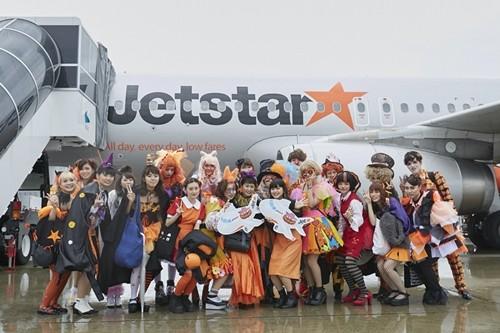 LCCのジェットスター・ジャパンは10月28日、「ジェットスターハッピーハロウィン 2017」のメインイベントとして、GK204便(関西発=成田着)を「ハロウィンかぼちゃフライト」として運航した。機内では、大阪モード学園の学生20人が、厳選...
