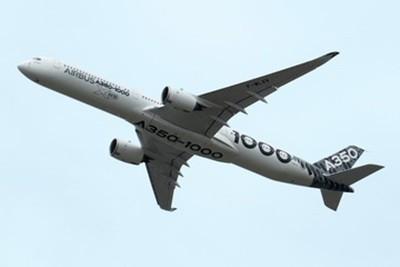 シンガポール航空は11月2日、12月より運航するエアバスA380に導入する新たな機内装備について発表した。これはシンガポール航空が開発に4年の歳月を費やした機内装備であり、全てのクラスでより広くプライバシーの保たれた空間を確保している。