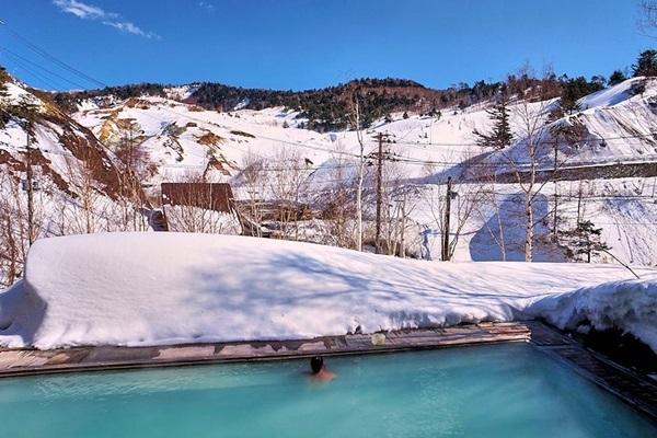 雪見温泉に行きたい! 温泉旅行博士オススメの絶景風呂8選--東日本編
