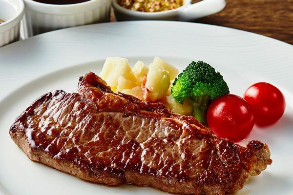 ホテル日航成田、「牛サーロインステーキ食べ放題」を開催