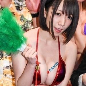 小松未可子さんのビキニ
