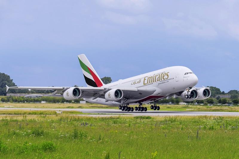 エミレーツ、関空=ドバイ線にエアバスA380導入へ--エミレーツ機50番目の地