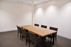 「Premium Gate 玉響」の会議室