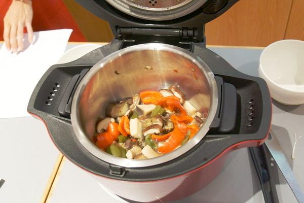 無水調理鍋「ヘルシオ ホットクック」で「ロジカル」に料理する