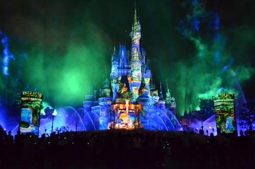 ディズニー新ナイトショーの攻略法 かつてないシンデレラ城を味わい