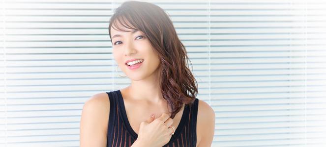 内山理名、蜷川幸雄からの言葉「お前は器用じゃない」受け止め進む20周年 (2) | マイナビニュース