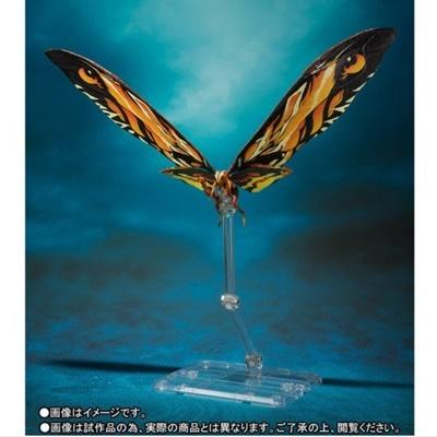 一方、「ラドン」は超高温の溶岩にも耐えられる強靭な体と巨大な翼も、劇中をイメージしS.H.MonsterArts化。首や羽は可動分割により動かすことができる。