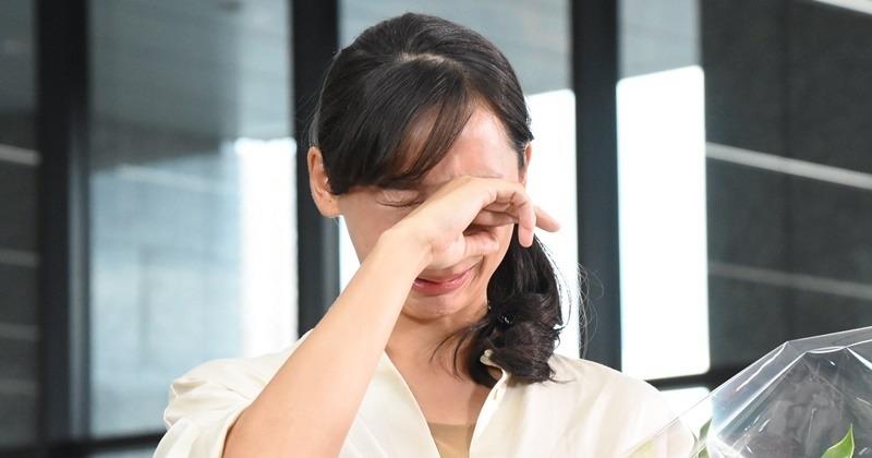 「杏 泣いた」の画像検索結果