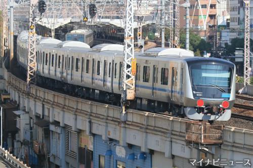 小田急電鉄5000形、新型車両が登場 - 神戸市内から東京方面へ走行 ...