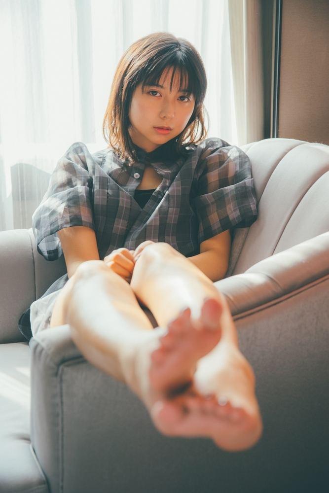 上白石萌歌、20歳の誕生日に初写真集発売「知らない表情に出会えた」   マイナビニュース