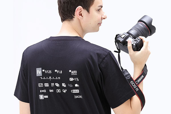 """Photo of Quick setting screen! UNIQLO's collaboration T-shirt with """"EOS R"""""""
