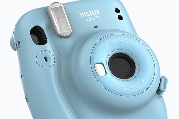 Photo of Fujifilm, an instax mini 11 introductory check machine that anyone can take beautifully