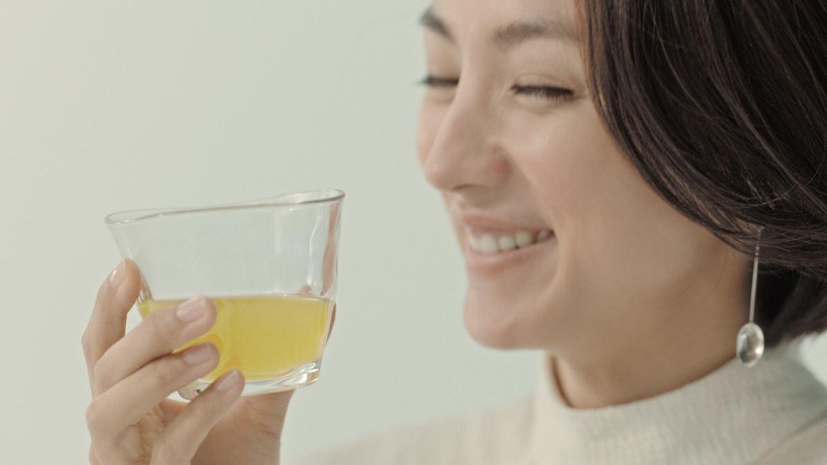 生 茶 cm 女優