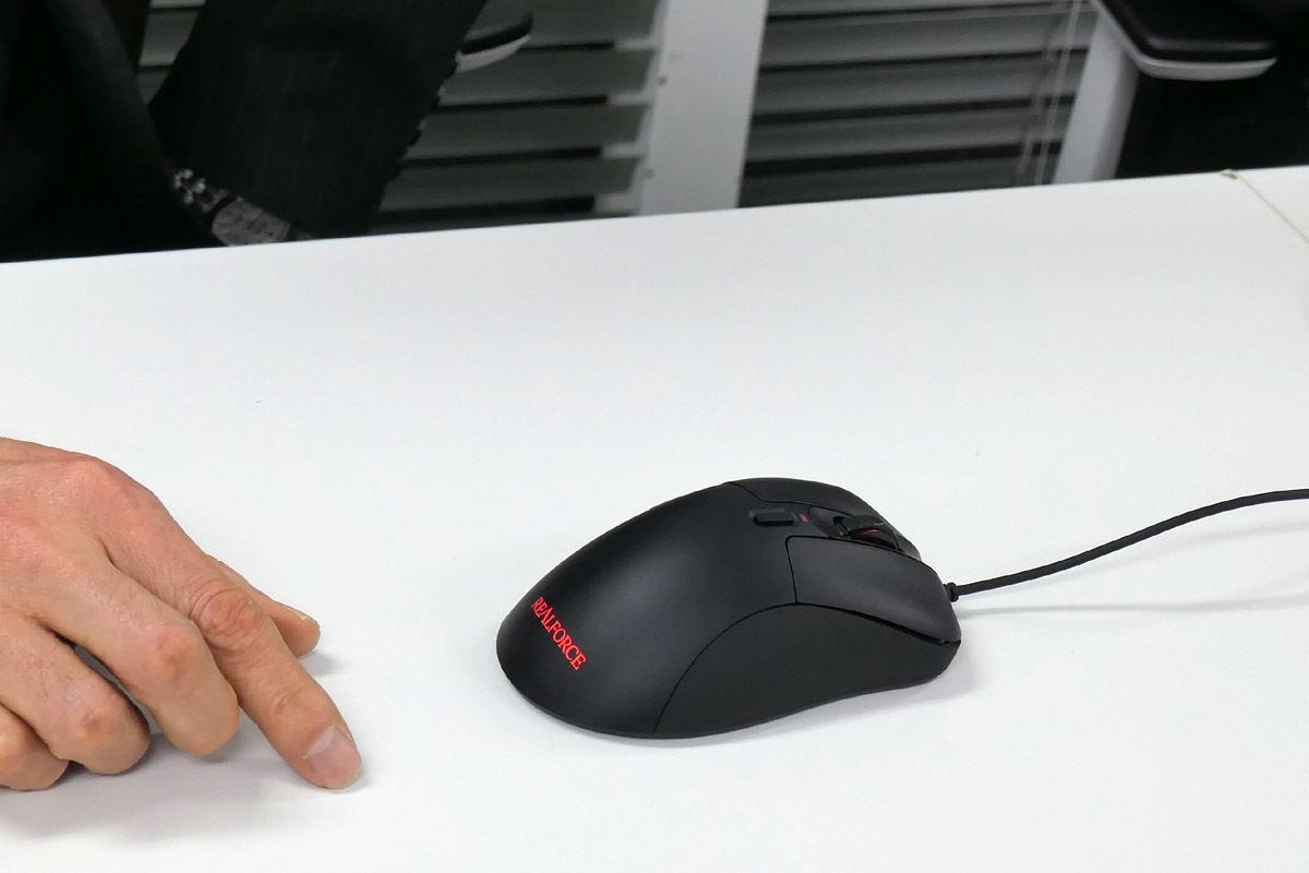 REALFORCE MOUSEインタビュー - REALFORCEキーボード開発者が再び世に問う新機軸マウス | マイナビニュース