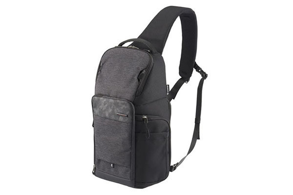 Photo of Hakuba, one-shoulder type camera bag accessible from the side