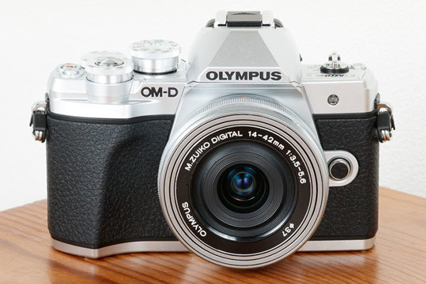 "Photo of Olympus, ""E-M5 III"" ""E-M10 III"" purchase up to 20,000 yen reduction"