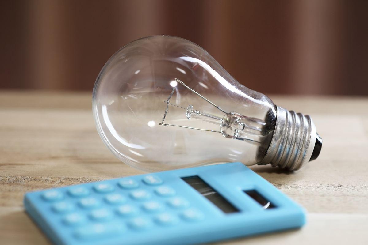3人家族の電気代は?世帯人数別の電気代・光熱費