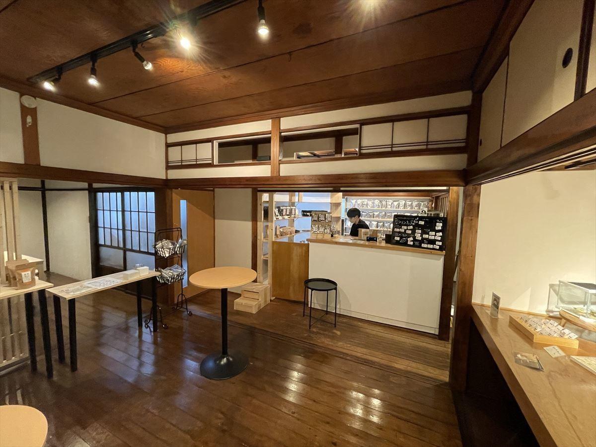 【行ってみたいけど行けない!】東京・浅草に昆虫食の駅「TAKE-NOKO」がオープン