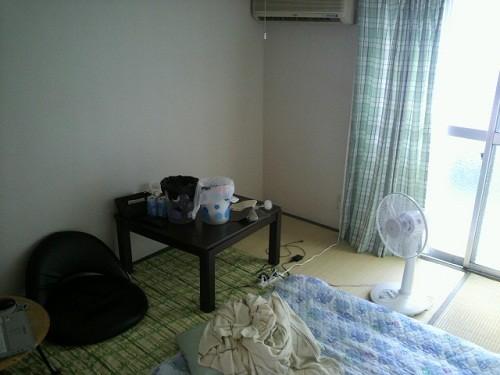 生活に必要なものだけのシンプルな部屋