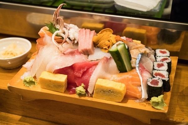 青森を祭りと食とで旅をする 第2回 八戸三社大祭の見所は山車のみならず! 巨大な山車は食べてもよし!?