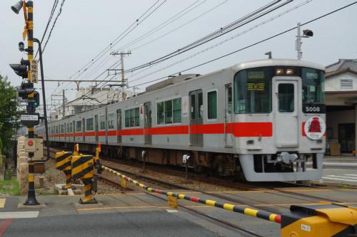 山陽電気鉄道5000系。阪神梅田行の直通特急 「世界の果て」のさらに向...  山陽電気鉄道、阪